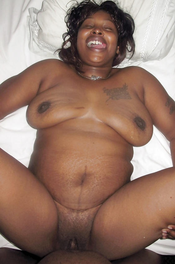mature wide hips nude