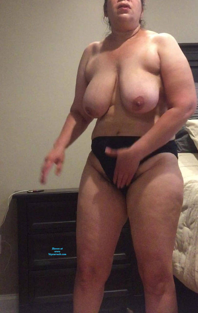Thick amateur wife
