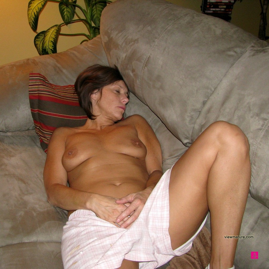 Amateur real mommies nude