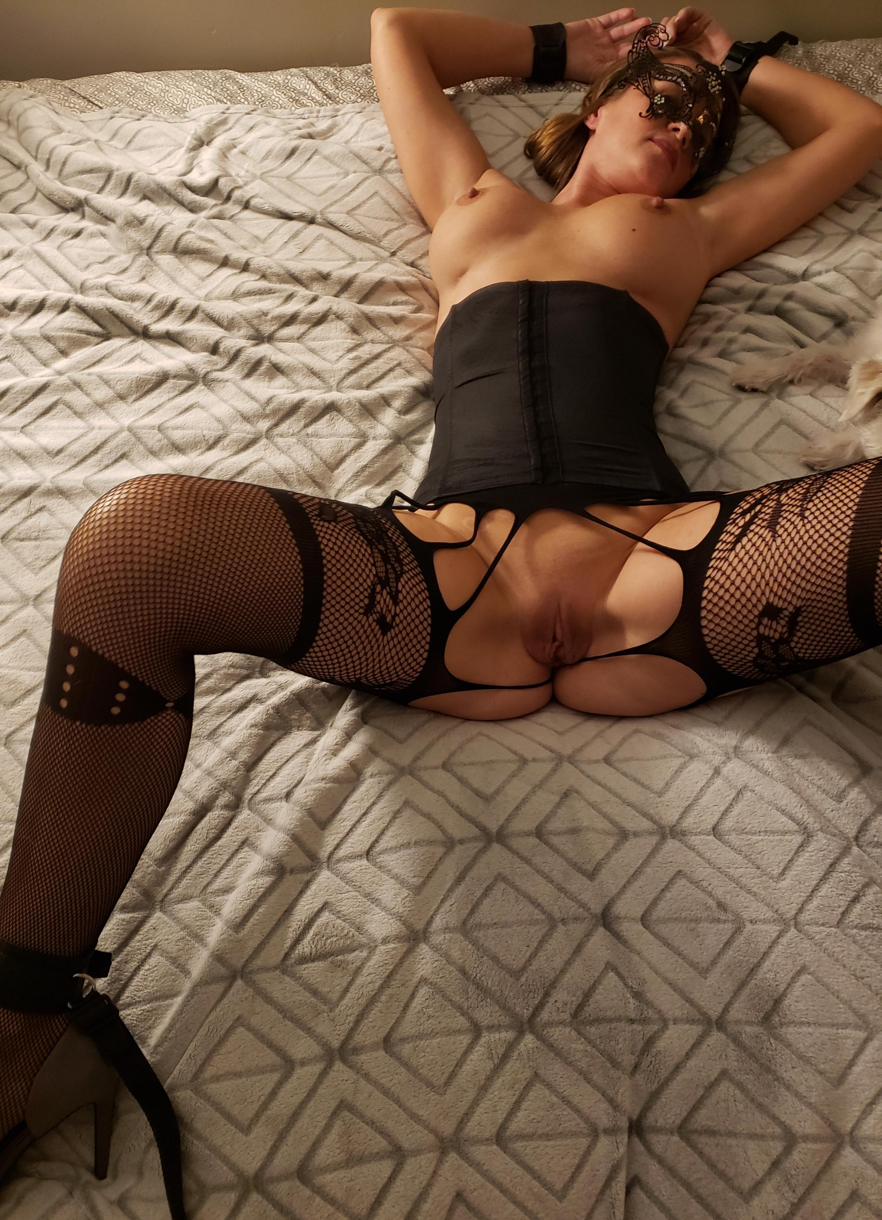 Amateur wife tied