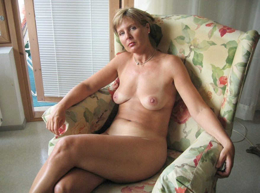 Ordinary middle aged women naked